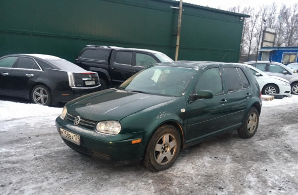 Volkswagen Golf, 2000